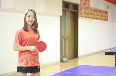 """刚下乒乓赛场,又上ACCA考场,她把大学过成了""""传奇"""""""