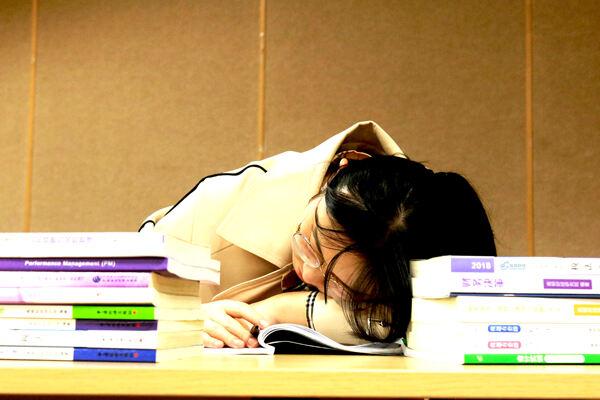 cma在校大学生可以考吗